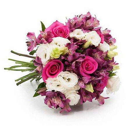Buquê Luxo com Flores Brancas, Rosas e Roxas