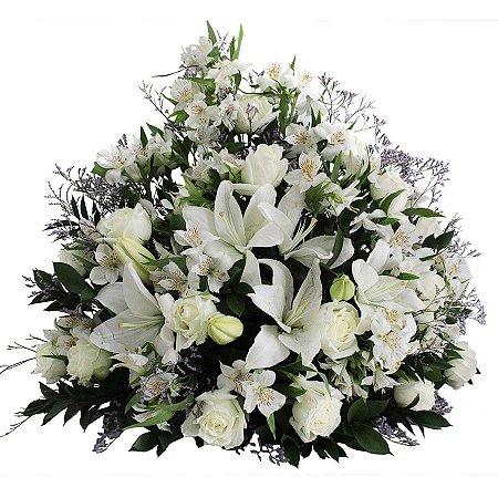 Arranjo de Flores Brancas para Altar