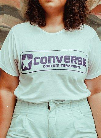 Camiseta Converse com um Terapeuta