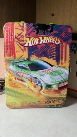 Maleta Hot Wheels - Metal - Licenciada - 18 vagas