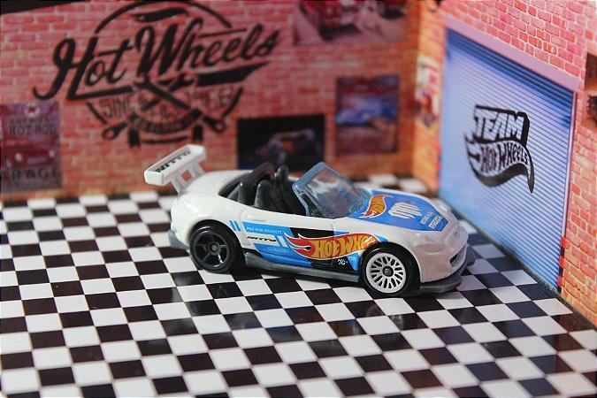 MX-5 Miata - Hot Wheels Racing