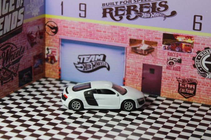 Audi R8 - California Minis