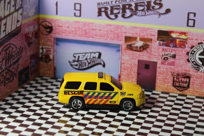 Chevy Tahoe Yellow