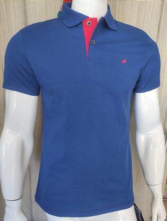 Camisa Polo Azul com Gola Rosa Enfim