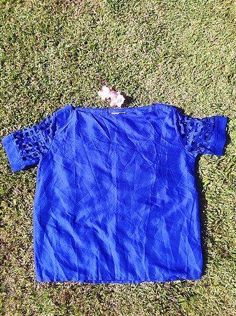 Blusa Azul com Mangas Vazadas