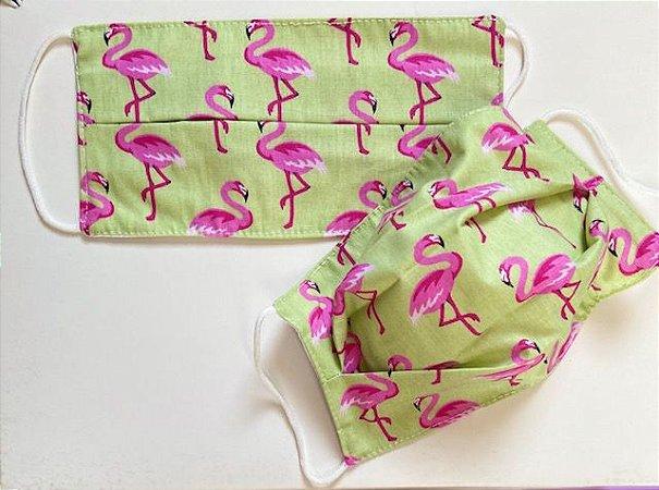 Máscara em  Malha Verde com Estampa de Flamingo