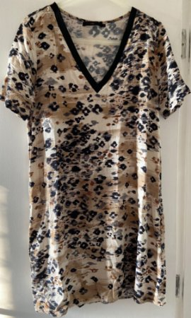 Vestido Reto Animal Print MOB