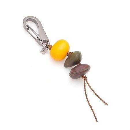 Chaveiro da sorte com sementes naturais de Jarina, Inajá e Olho de Boi.