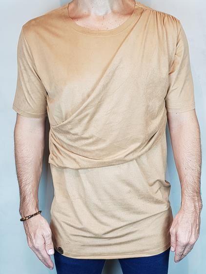 Camisa T-Shirt Chamoa Veludo Teselli by linha Spoiler Ocre
