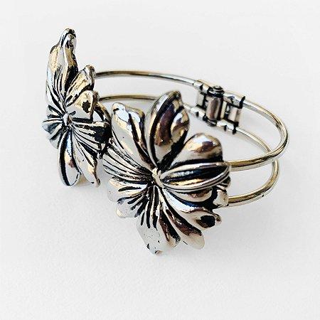 Bracelete Camelia Níquel Velho