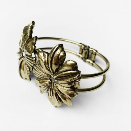 Bracelete Camelia Ouro Velho