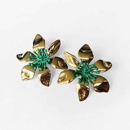 Brinco Mini Cattleya Ouro Vintage Miolo Verde