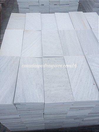 Pedra São Tomé branca 18X37