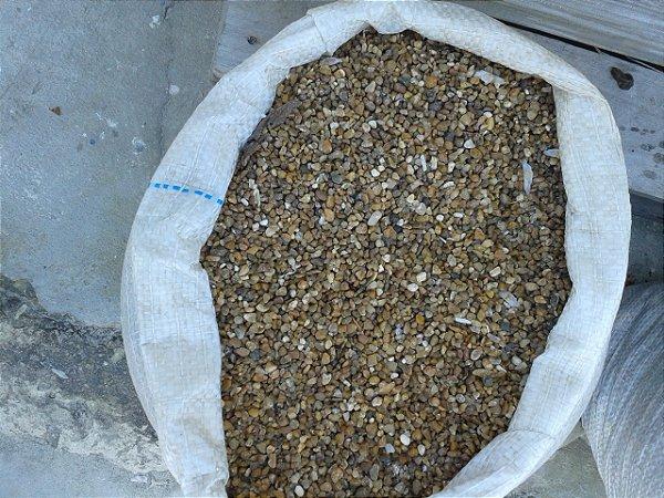 SEIXO MARROM TIPO granilha saco de 30 kg