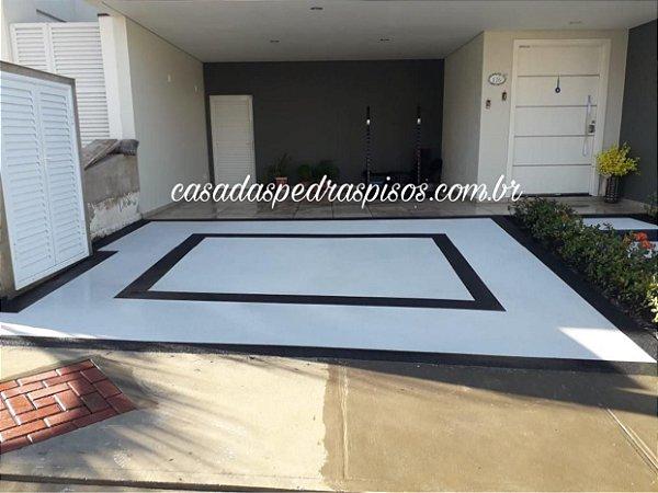 Fulget piso branco e preto