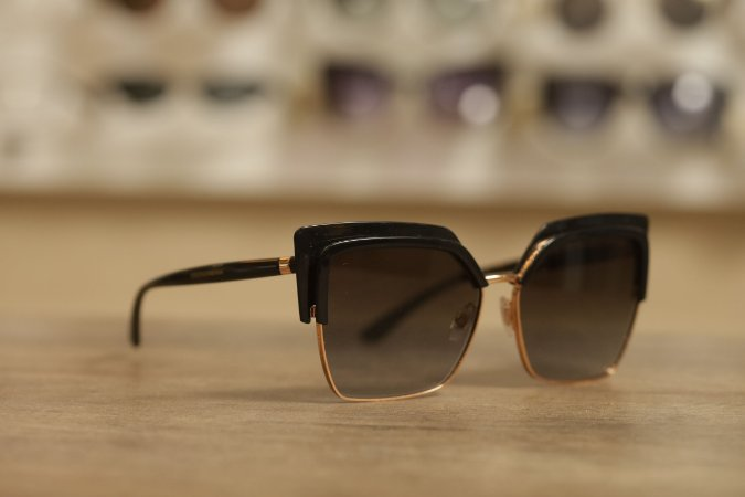 Óculos Solar Dolce & Gabbana Gatinho Preto/Dourado