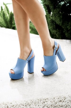 Sandália Alta Cabedal Longo - Blue
