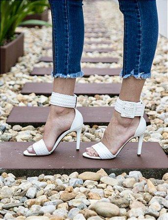 Sandália Salto Fino com Fivela - Branca