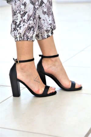 Sandália Salto Médio 1 Tira - Preta