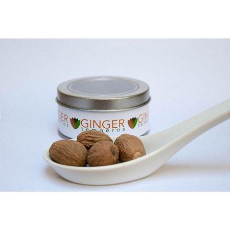 Noz moscada inteira 28g Ginger Temperos