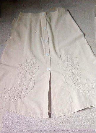 Saia algodão cru com detalhes em crochê