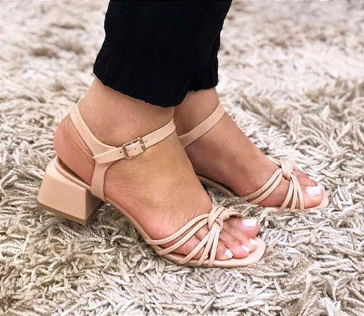 Sandália Salto Bloco  baixo