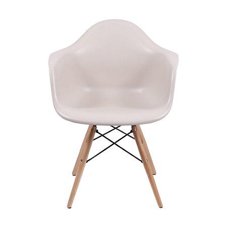 Cadeira DKR Com Braço Base Madeira Fendi