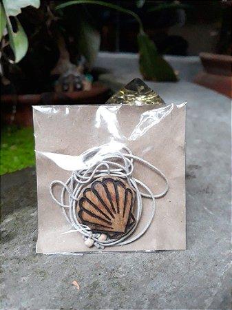 Colar difusor aromático - Sibipiruna (Caesalpinia pluviosa)