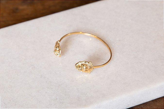 Bracelete Fino Duas Pontas Cabeças de Leão Banho Ouro