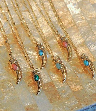 Colar Banho Ouro Chifre Com Pedra Oval Colors