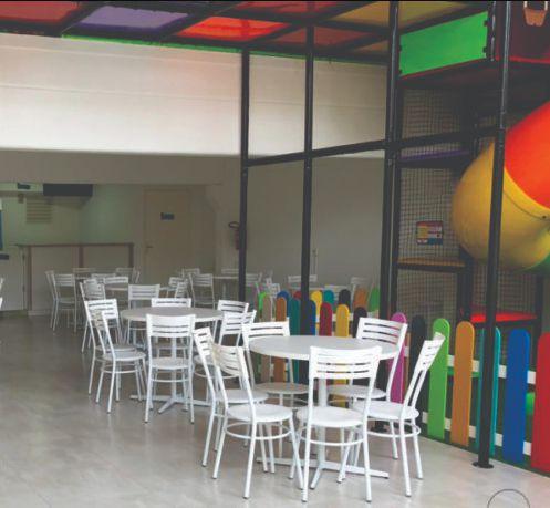 Conjunto com 1 Mesa e 6 Cadeiras - Mesas e Cadeiras para Restaurante