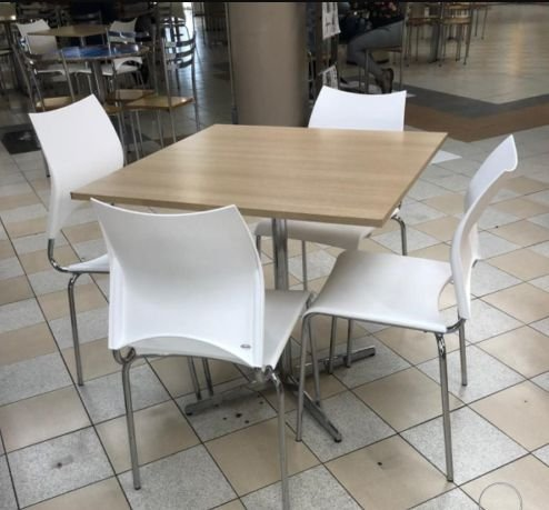 Conjunto com 1 Mesa e 4 Cadeiras - Mesas e Cadeiras para Restaurante