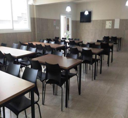Conjunto com 1 Mesa e 4 Cadeiras - Mesas e Cadeiras para Restaurante REF 6070