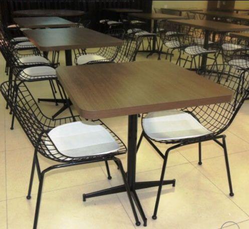 Conjunto com 1 Mesa e 2 Cadeiras - Mesas e Cadeiras para Restaurante REF 7060