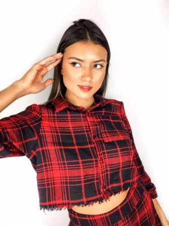 Camisa cropped xadrez vermelho flanelada