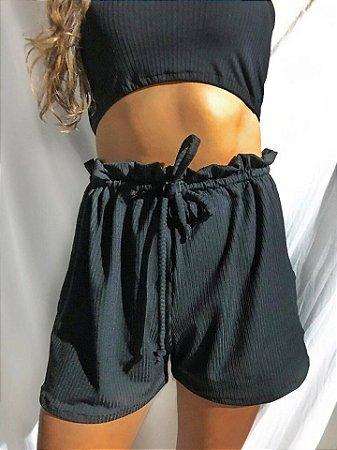 Shorts canelado cintura alta com ilhós