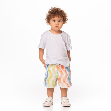 Conjunto de T-shirt Malha Algodao, Leve e Confortavel Com Silk Costas e Bermuda em Moletom Listras Coloridas Branco