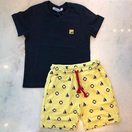 Conjunto Camiseta Basica e bermuda com Micro Estampa Barco e Boia