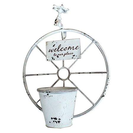 Vaso em Metal Branco Roda Torneira