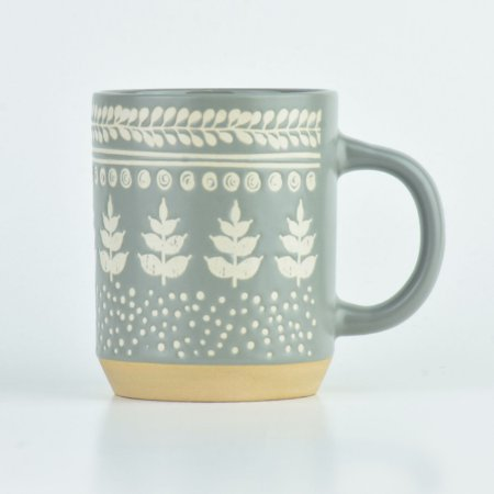 Caneca Cinza com Folhas em Cerâmica