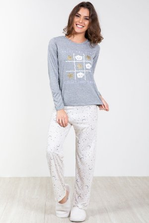 Pijama longo estampado estrela e luar