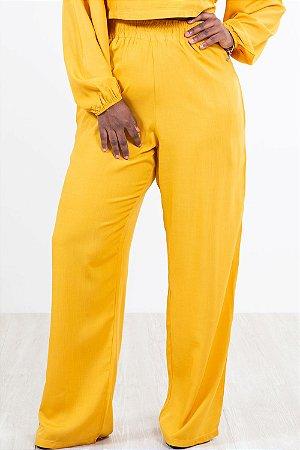 Calça pantalona lisa com bolso