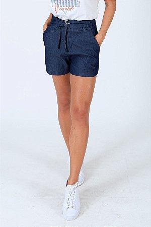 Shorts jeans com detalhe fivela