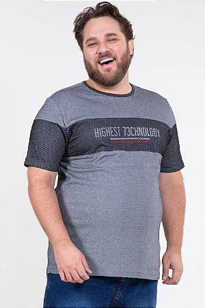 Camiseta manga curta com detalhe em tela plus size