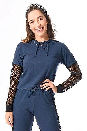 Blusa manga longa com aplicação de tela e capuz