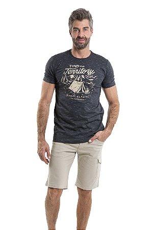 Camiseta manga curta estampa jerritory e aplique bordado