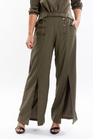 Calça pantalona com botão e fenda em crepe twill