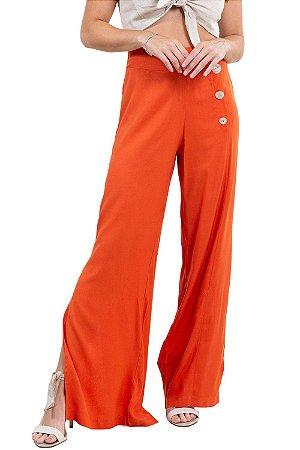 Calça pantalona c/ fenda e botoês