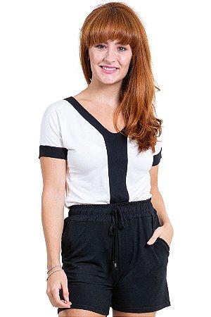 Blusa manga curta com recorte bicolor