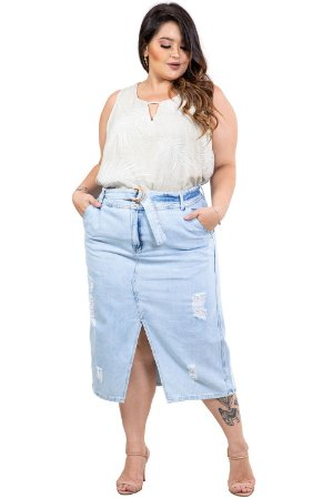 Saia jeans midi destroyed com fenda e cinto plus size